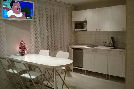 Сдается 1-комнатная квартира посуточно в Кировске, 50 лет Октября, 3.
