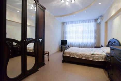 Сдается 2-комнатная квартира посуточнов Челябинске, ул. Володарского, 32.