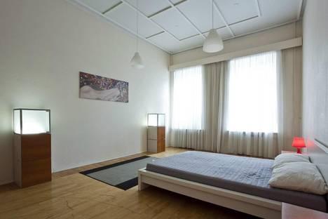 Сдается 2-комнатная квартира посуточнов Санкт-Петербурге, улица Марата дом 67/17.