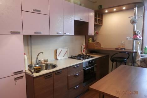 Сдается 2-комнатная квартира посуточно в Йошкар-Оле, ул. Транспортная, 1.