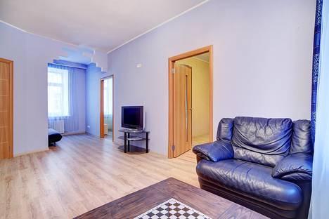 Сдается 3-комнатная квартира посуточново Всеволожске, Невский проспект, 128.