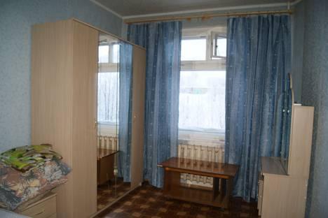 Сдается 2-комнатная квартира посуточнов Кировске, улица Олимпийская, 53а.