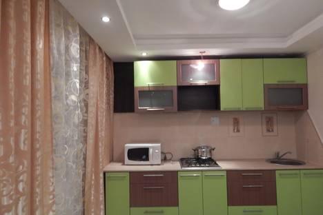 Сдается 2-комнатная квартира посуточно в Первоуральске, ул. Трубников, д.44.