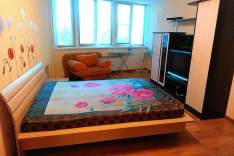 Сдается 2-комнатная квартира посуточно в Барнауле, улица Петра Сухова, 2в.