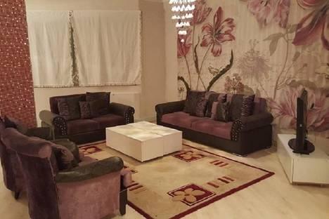 Сдается 2-комнатная квартира посуточно в Алматы, Аль-фараби дом 7.