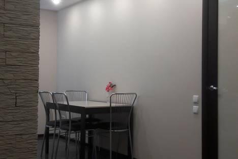 Сдается 1-комнатная квартира посуточно в Саратове, ул. Е.И. Пугачева, 51.