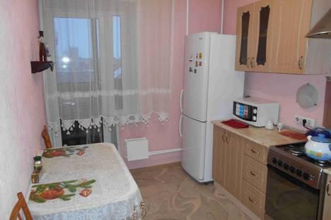 Сдается 1-комнатная квартира посуточнов Сызрани, ул. Дзержинского, 11.