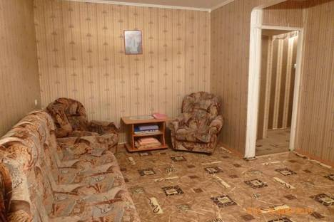 Сдается 2-комнатная квартира посуточнов Тюмени, ул. Текстильная, 5.