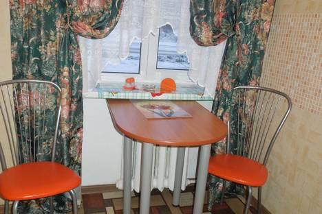 Сдается 2-комнатная квартира посуточнов Глазове, ул. Тани Барамзиной, 53/1.
