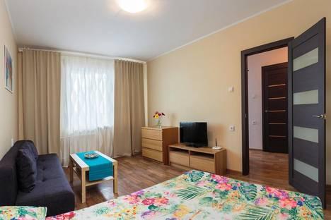 Сдается 1-комнатная квартира посуточно в Екатеринбурге, ул. Анатолия Мехренцева, 7.