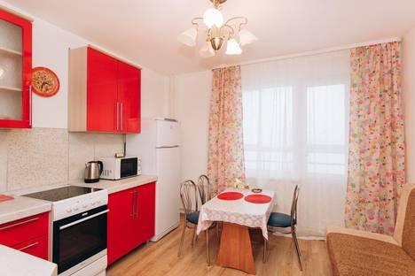 Сдается 2-комнатная квартира посуточно в Екатеринбурге, ул. Новгородцевой, 23.