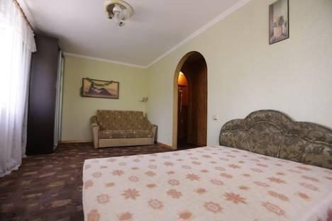 Сдается 1-комнатная квартира посуточнов Керчи, ул. Кирова 33.