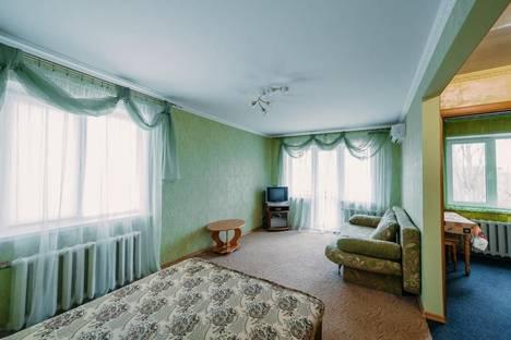 Сдается 1-комнатная квартира посуточно в Керчи, ул. Юных Ленинцев 8.