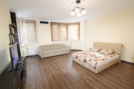 Сдается 1-комнатная квартира посуточно в Феодосии, Адмиральский бульвр 7В.