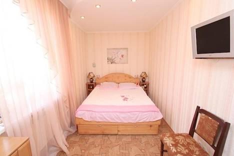 Сдается 2-комнатная квартира посуточно в Феодосии, ул. Федько 5.