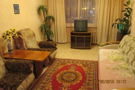 Сдается 2-комнатная квартира посуточнов Елабуге, проспект Хасана Туфана, 8(2/07).