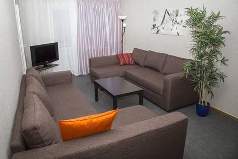 Сдается 3-комнатная квартира посуточно в Екатеринбурге, Мичурина 171.