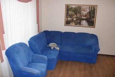 Сдается 2-комнатная квартира посуточно в Новосибирске, Овражная, 6.
