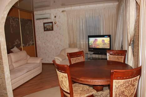 Сдается 2-комнатная квартира посуточнов Сочи, Демократическая ул., 43.