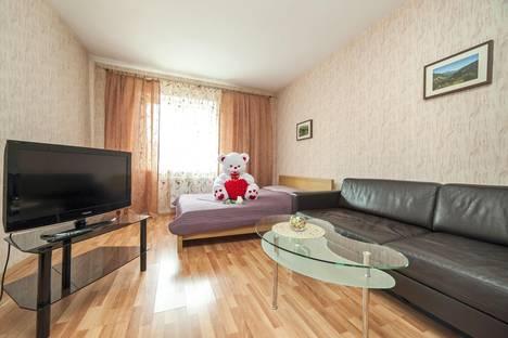 Сдается 2-комнатная квартира посуточнов Екатеринбурге, Бажова, 68.