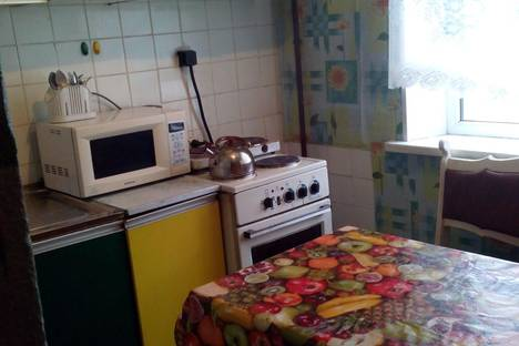 Сдается 1-комнатная квартира посуточно, проспект Ленинского Комсомола, 14.