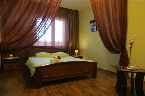 Сдается 1-комнатная квартира посуточно в Сургуте, ул. Крылова, 32.