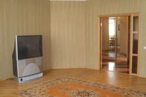 Сдается 3-комнатная квартира посуточно, Ленинский пр-т, 7/3.