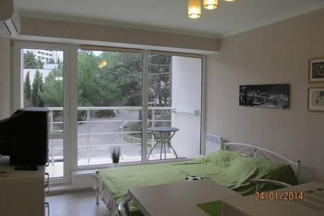 Сдается 1-комнатная квартира посуточно в Алуште, Перекопская  4в.