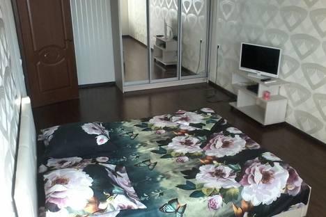 Сдается 1-комнатная квартира посуточно в Энгельсе, ул. Комсомольская, 187.
