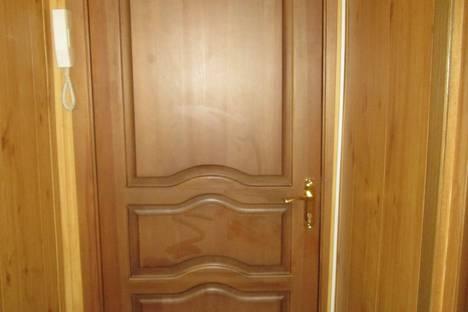 Сдается 1-комнатная квартира посуточно в Омске, проспект Карла Маркса, 89.