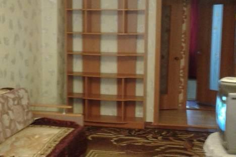 Сдается 2-комнатная квартира посуточно в Тулуне, Суворова, 15.