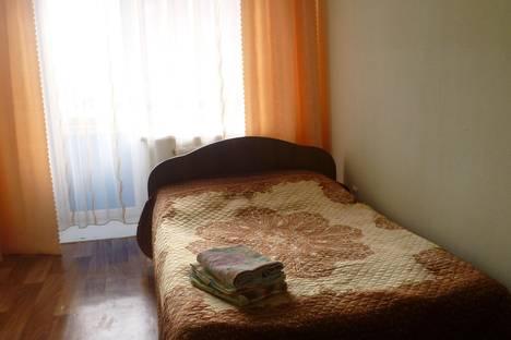 Сдается 1-комнатная квартира посуточно в Черногорске, ул. Генерала Тихонова, 15.