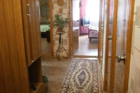 Сдается 2-комнатная квартира посуточно в Гурзуфе, ул.Подвойского 9.