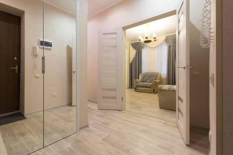 Сдается 3-комнатная квартира посуточно в Астрахани, ул. Адмиралтейская, 8.