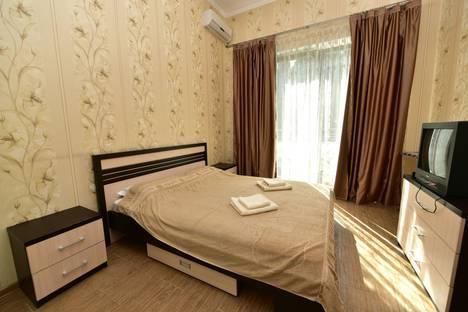 Сдается 2-комнатная квартира посуточнов Ялте, Парковый проезд 5.