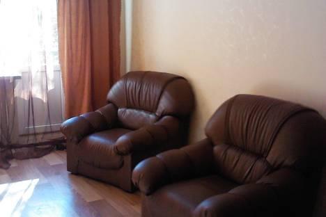 Сдается 2-комнатная квартира посуточнов Новочеркасске, Баклановский проспект, 140.