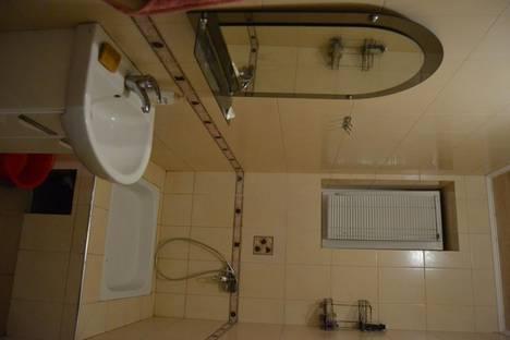 Сдается 2-комнатная квартира посуточно в Таганроге, ул. Лесная Биржа, 14.