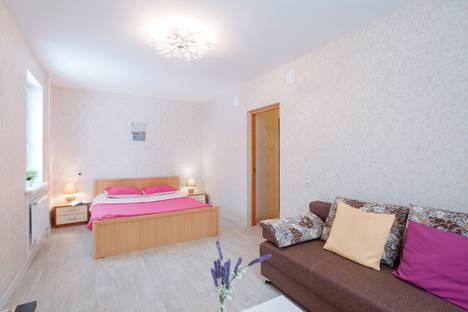 Сдается 2-комнатная квартира посуточно в Петрозаводске, ул. Суворова, 37.
