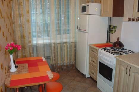 Сдается 1-комнатная квартира посуточно, Карбышева 84.