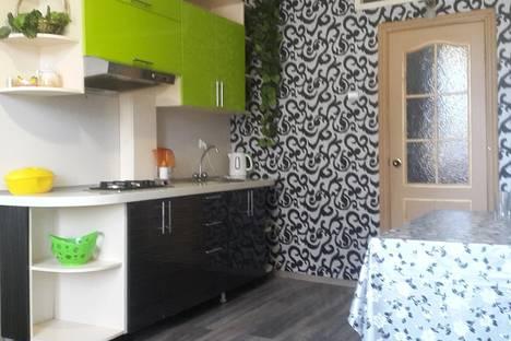 Сдается 2-комнатная квартира посуточнов Комсомольске-на-Амуре, Аллея Труда, 38.