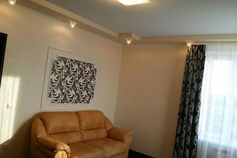 Сдается 1-комнатная квартира посуточнов Екатеринбурге, ул. Комсомольская, 76.