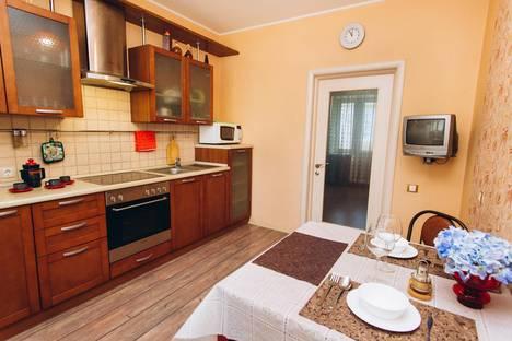 Сдается 2-комнатная квартира посуточно в Екатеринбурге, Сыромолотова,11в.