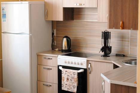 Сдается 1-комнатная квартира посуточно в Челябинске, ул. Братьев Кашириных,113.