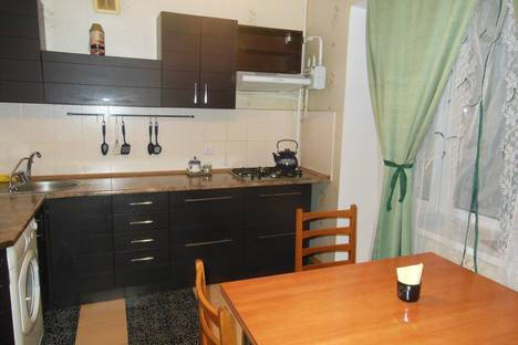Сдается 2-комнатная квартира посуточно в Броварах, ул. Декабристов, 46.