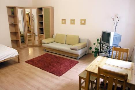 Сдается 1-комнатная квартира посуточно в Киеве, малая житомирская, 15.