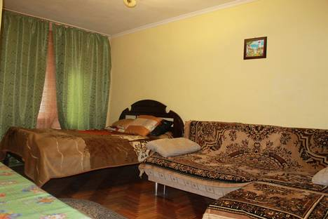 Сдается 1-комнатная квартира посуточно в Нальчике, проспект Ленина, 75.