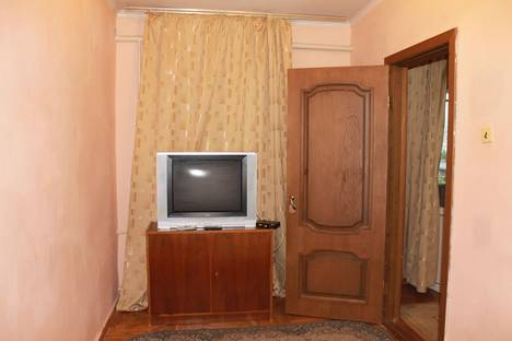 Сдается 2-комнатная квартира посуточнов Нальчике, Кешокова 79.