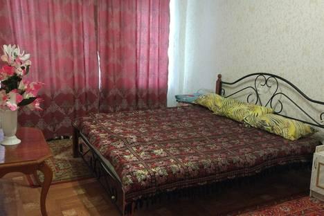 Сдается 2-комнатная квартира посуточнов Нальчике, Ватутина 8.