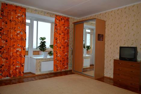 Сдается 1-комнатная квартира посуточнов Екатеринбурге, ул. Кузнецова, 21.