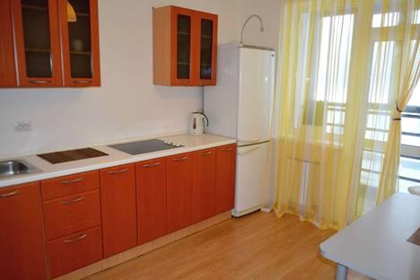 Сдается 1-комнатная квартира посуточнов Екатеринбурге, ул. Индустрии, 66.